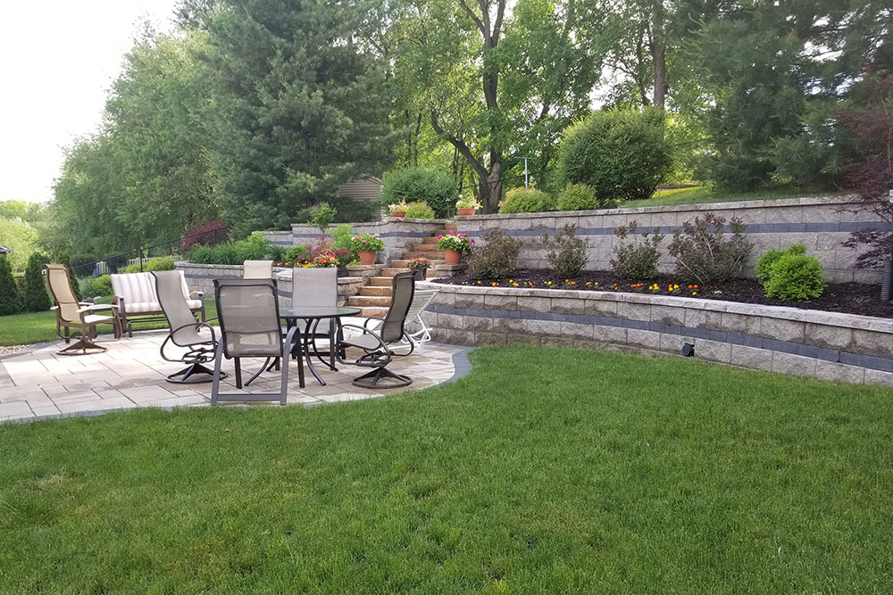 patio-and-retaining-wall