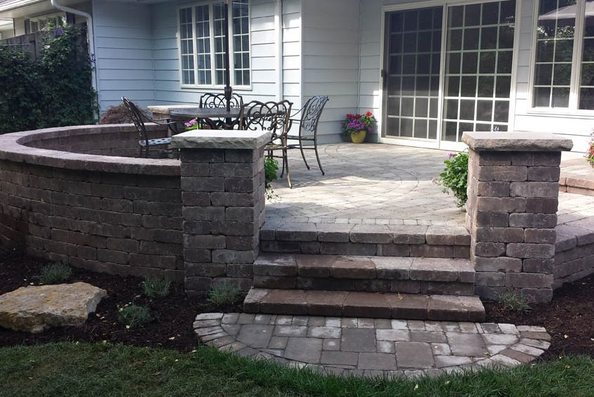 patio and seat wall