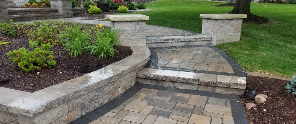 Different Types of Landscaping Stones for Your Yard photo