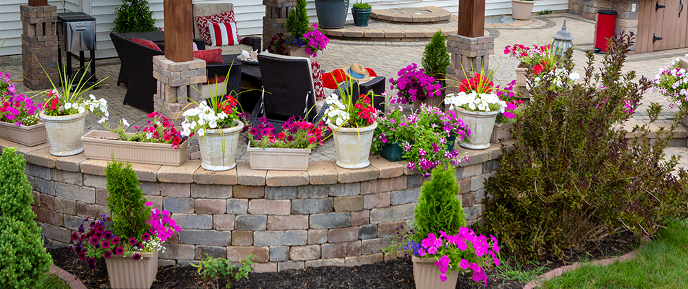 meyer-landscape-create-living-space-outdoors-patio-flowers