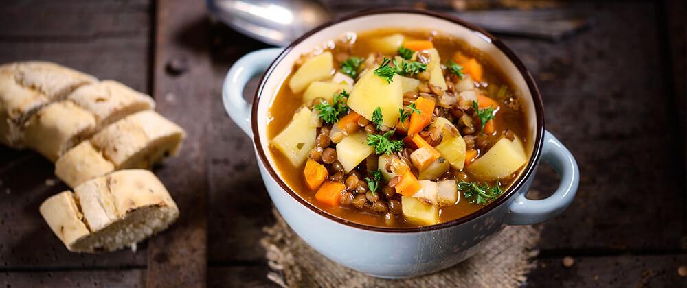 meyer-storing-autumn-harvest-vegetable-stew-with-bread