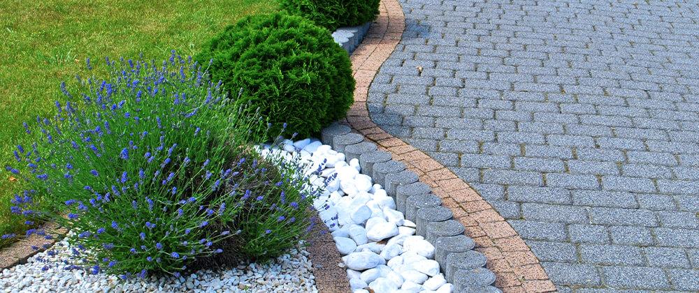 meyer-landscape-winter-patio-care-paving-stones-landscape