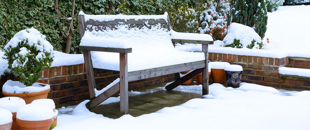 meyer-landscape-winter-patio-care-snow-on-bench