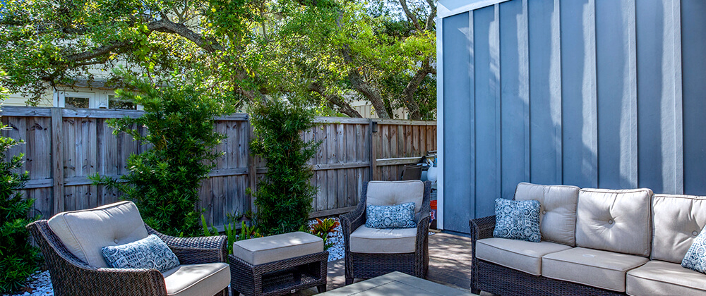 meyer-plants-for-privacy-patio-furniture-fence-trees