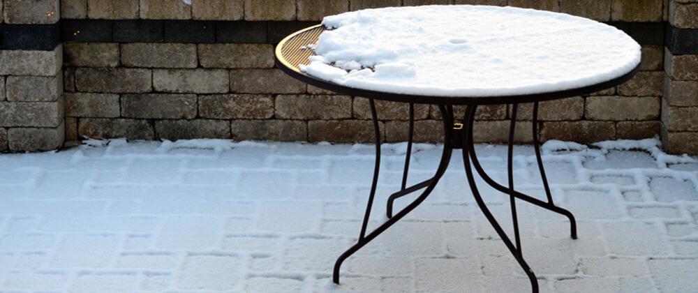 meyer-landscape-patio-paver-care-table-patio-snow
